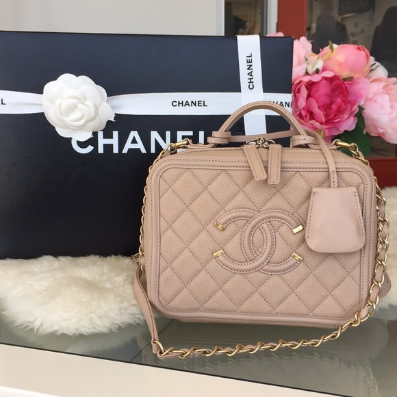 CHANEL Handbags - Chanel Filigree Vanity Case Bag